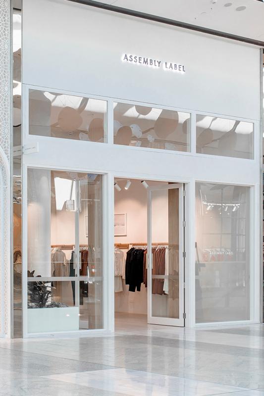 Thiết Kế Bảng Hiệu Shop Quần Áo